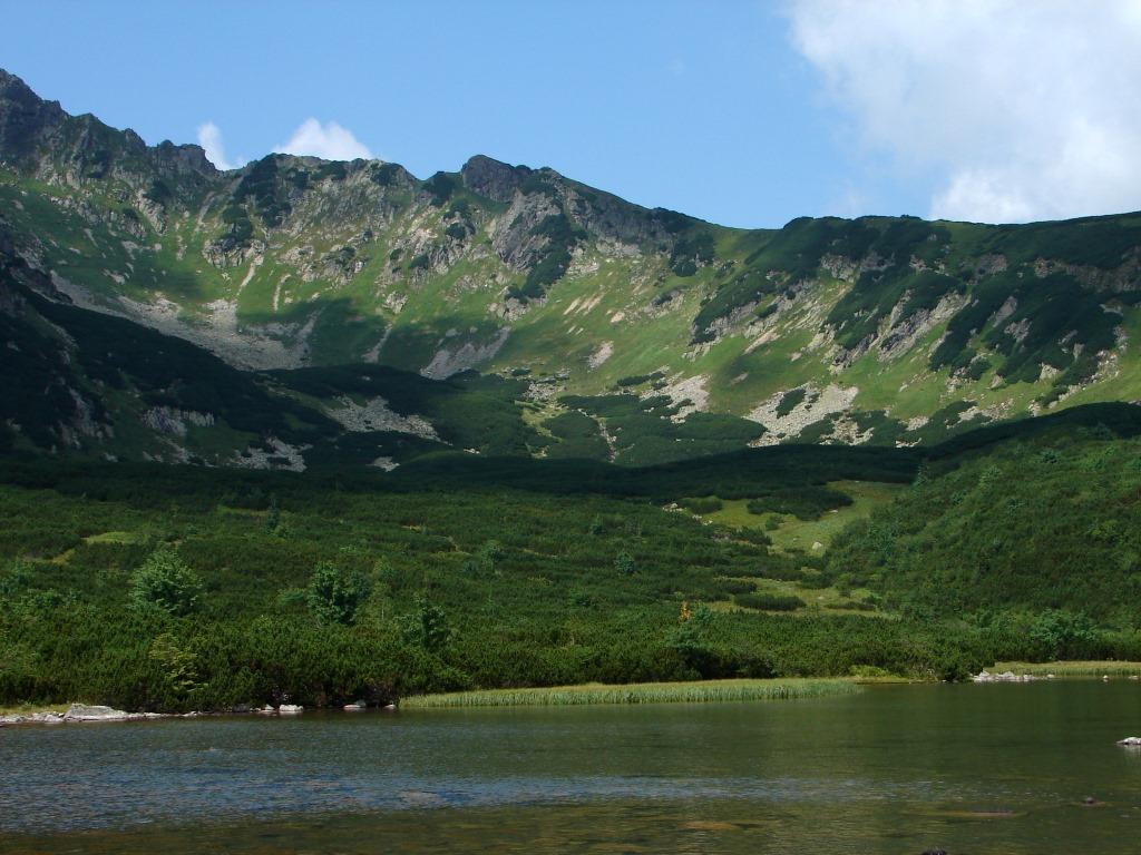 Barlangligetről a Késmárki-Zöld-tó mellett a Fehérvíz parkolóba ForrĂĄs: Nagy Árpád