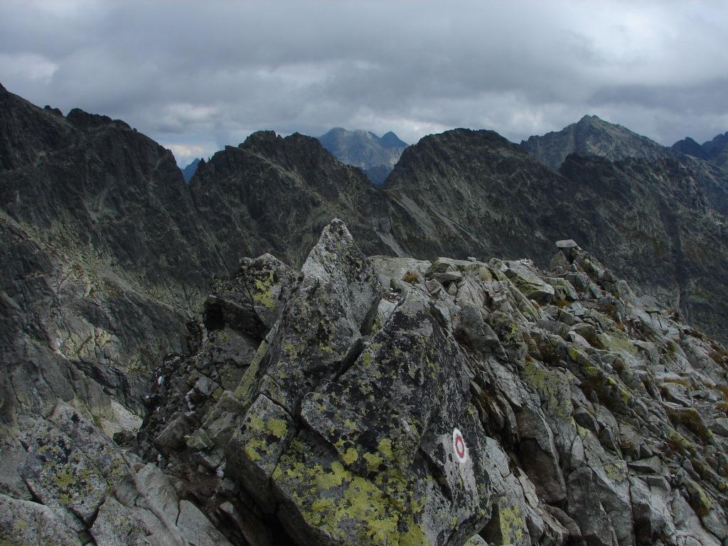 A Három-forrástól a Kapor-völgyön és a Felső-Kapor-hágón át a Kapor-csúcsra ForrĂĄs: Nagy Árpád
