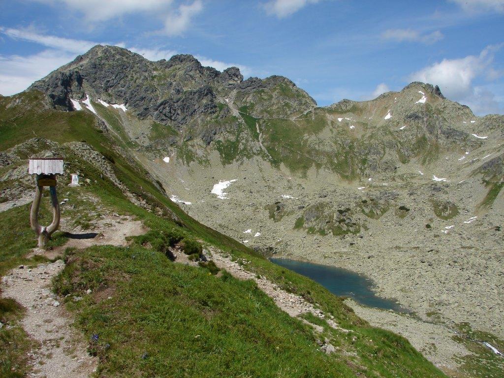 Három-forrástól a Kapor-völgyön át a Fenyves-tavi-völgybe ForrĂĄs: Nagy Árpád
