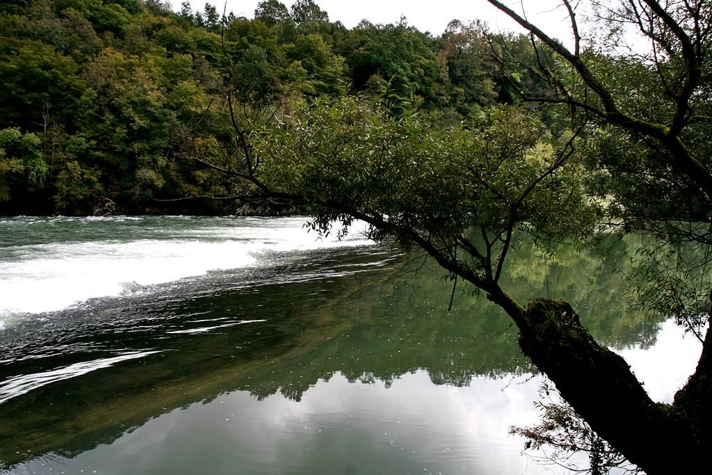 Vízlépcső a Kolpa folyón. Forrás: www.mozgasvilag.hu