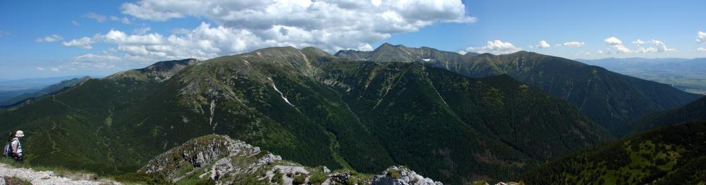 Liptóhutai-nyeregből a Szürke-hegyen át Bölényfaluba ForrĂĄs: Nagy Árpád