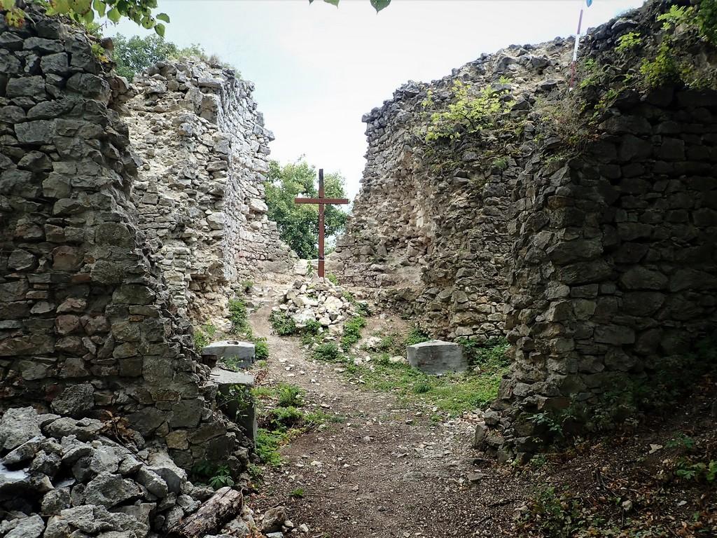 A várfalak között... Forrás: Nyáry Tamás