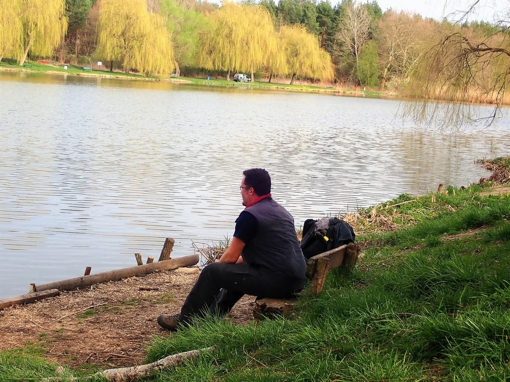 Pihenés a Majkpusztai halastó mellett Forrás: Nyáry Tamás