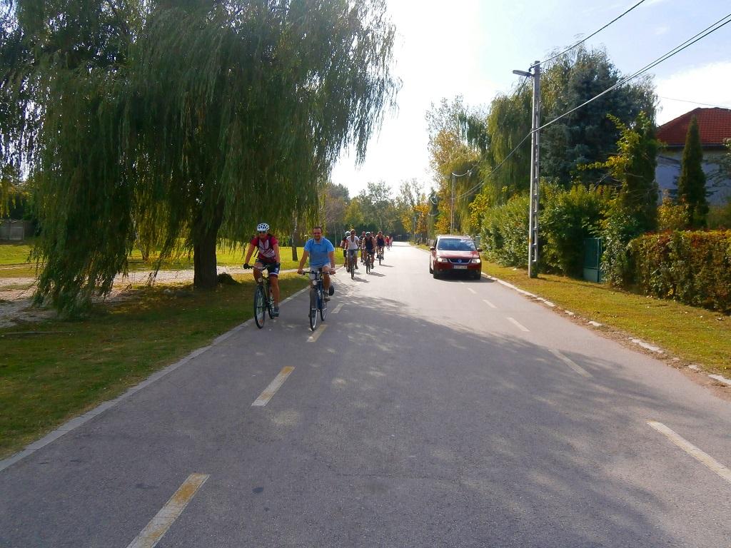 Túra indul a Balatonföldvári bringaúton Forrás: Kiss Csaba/www.Holkerékpározzak.hu