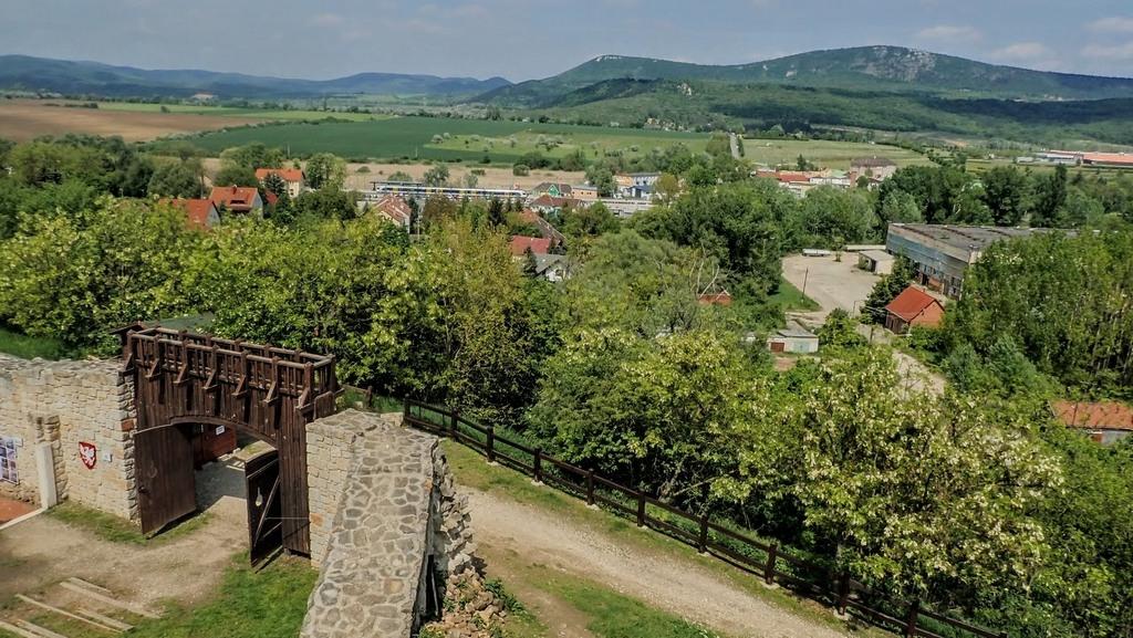 Kilátás a Solymári várból Forrás: Nyáry Tamás
