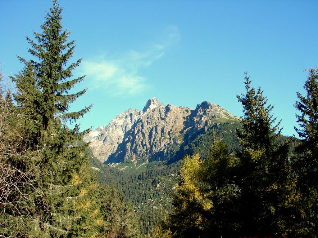 Tátralomnicról a Tarpataki-vízesések mellett Ótátrafüredre ForrĂĄs: Nagy Árpád