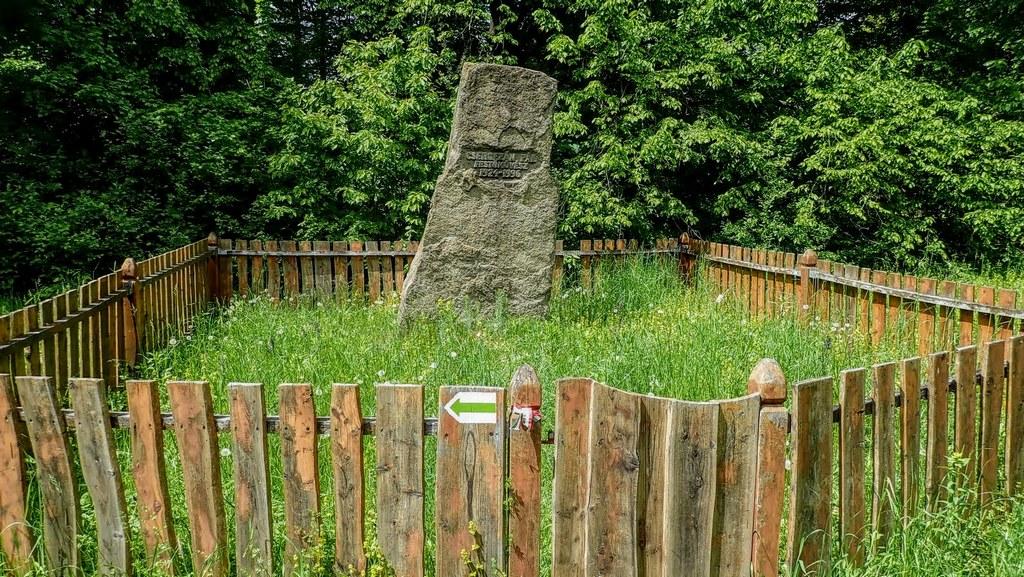 Csergezán Pál síremléke Forrás: Nyáry Tamás