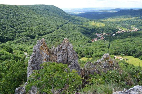 Fekete-kő kilátópont Forrás: (c) www.kesztolc.hu