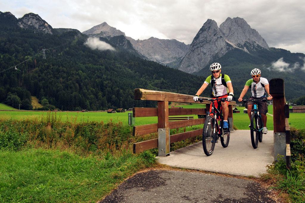 akár trekking, vagy gravel kerékpárokkal is lenyomható, sőt. ForrĂĄs: Paraferee - Mozgásvilág.hu