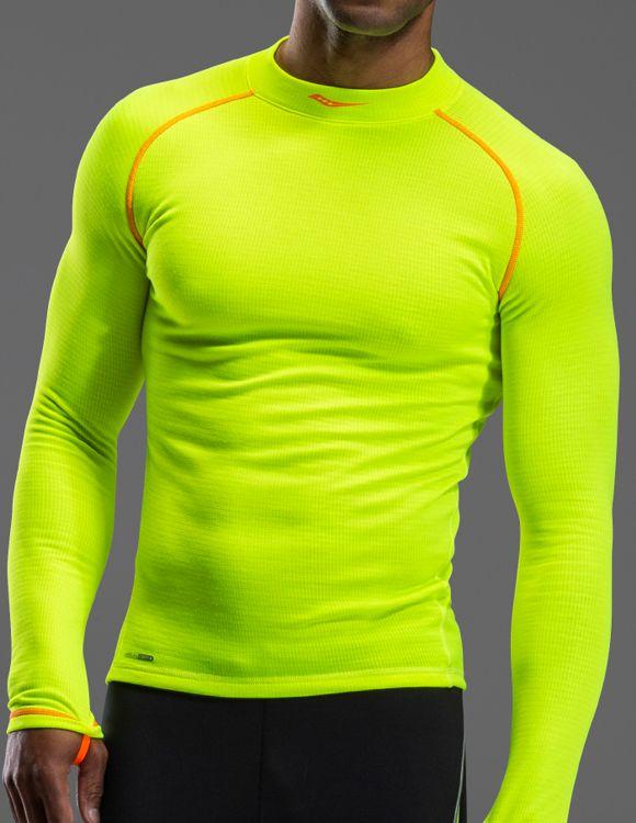 D. Technikai aláöltözet és pulóver