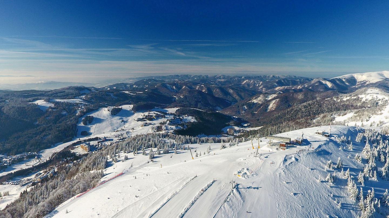 Felhőtlen síelés Donovalyban Forrás: www.parksnow.sk