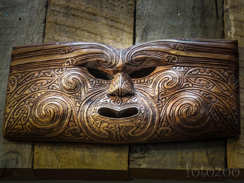 Állítólag a maorik hajdan emberevéssel is foglalkoztak. Elnézve ezt a maszkot, megalapozottnak érzem a feltételezést. Forrás: Fotozoo - Horváth Zoltán