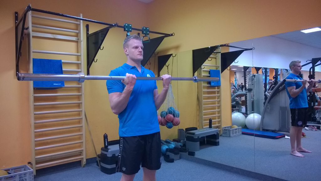 Bicepsz súllyal Forrás: Mozgásvilág.hu