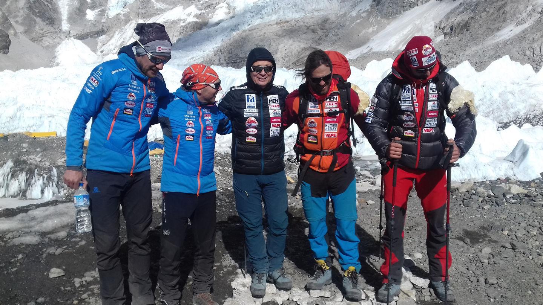 Száraz Dénes, Pintér László, Geszti Péter, Klein Dávid, Suhajda Szilárd Forrás: Everest Expedíció 2017