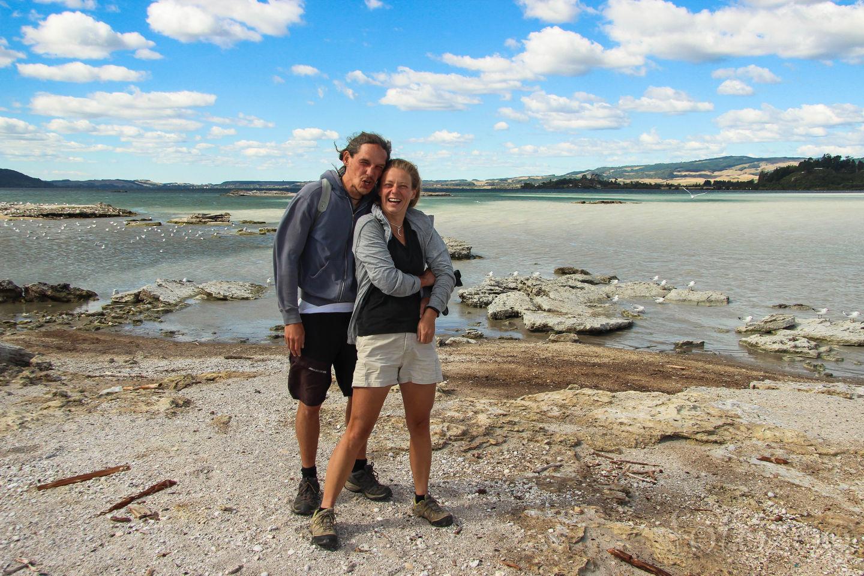 Szélfútta búcsú a Rotorua tónál. Innentől újra kettesben megyünk Forrás: Horváth Zoltán - Fotozoo