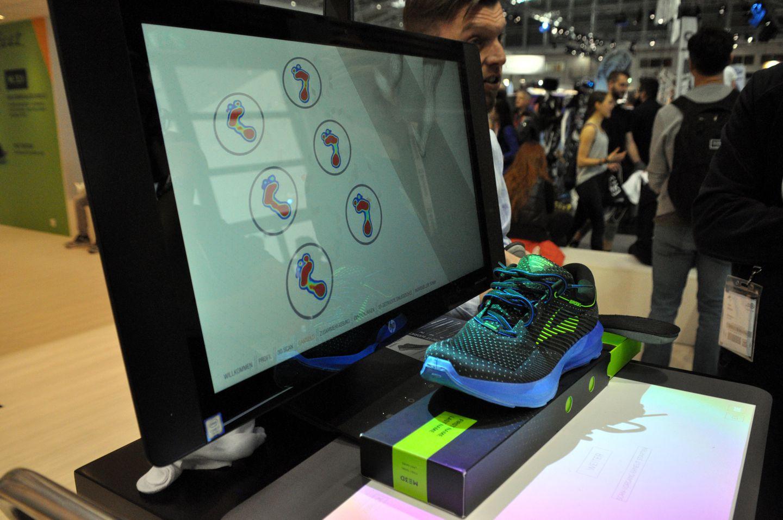 Egyedi futócipő gyártás Forrás: Mozgásvilág.hu