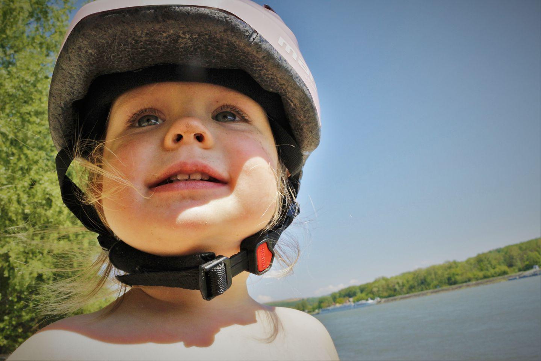 Kerékpáros fejvédő használat gyerekeknek Forrás: Mozgásvilág.hu