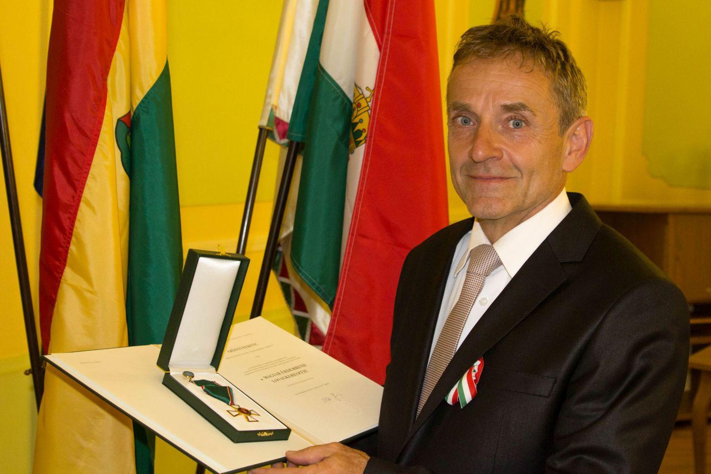 Szőnyi Ferenc kitüntetése Forrás: Mozgásvilág.hu