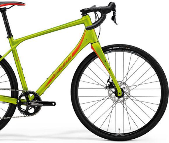 MERIDA 2018 SILEX 300 MATT OLIVA (PIROS) Forrás: Bikefun.hu
