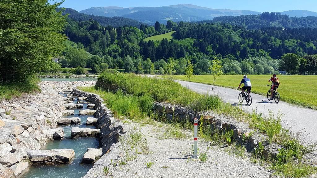 Dráva kerékpárút Forrás: www.mozgasvilag.hu
