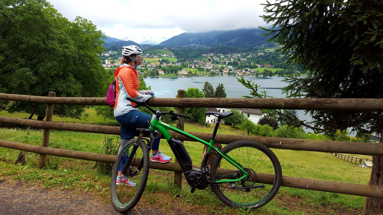E-bike-kal a Millstatti-tó körül Forrás: Mozgásvilág.hu