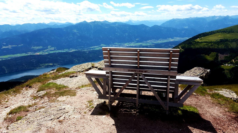 A padokat a legszebb kilátópontokra helyezték Forrás: Mozgásvilág.hu