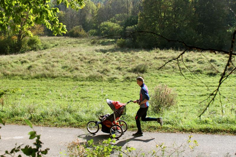Baby jogger - Túrázás-futás három kerékkel d5c4ee2de7