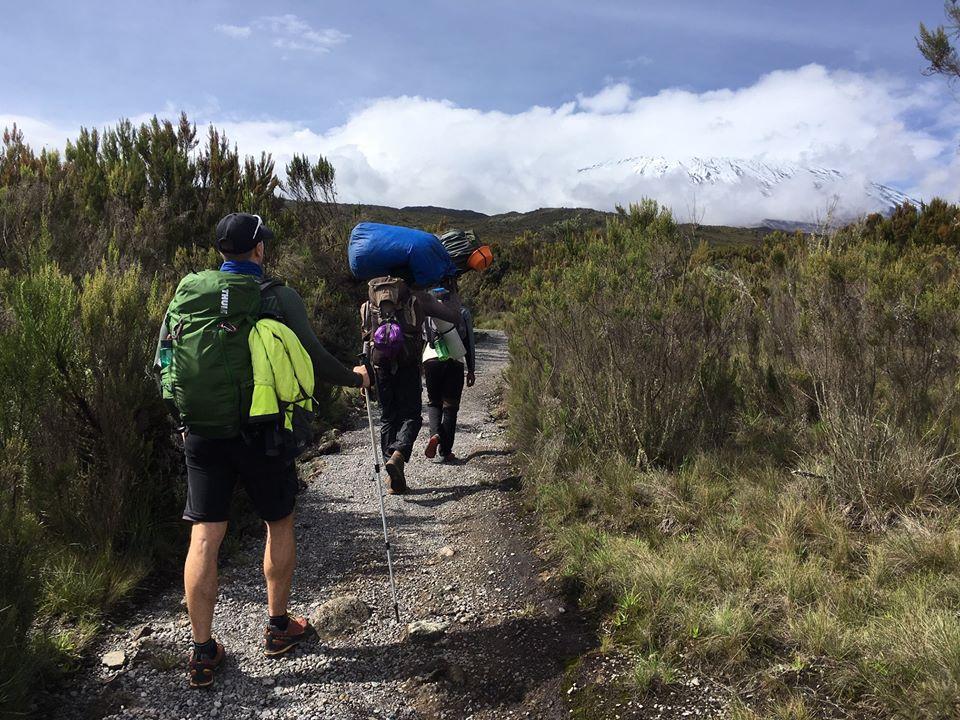 Úton a Kilimandzsáró felé Forrás: Takács Viktor - Mozgásvilág