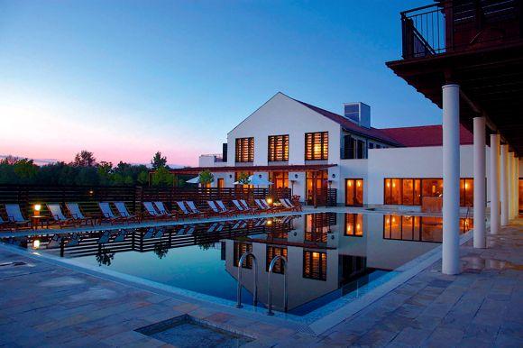 81798-Tisza_Balneum_Thermal_Hotel_Este_a_medence_fedll.jpg