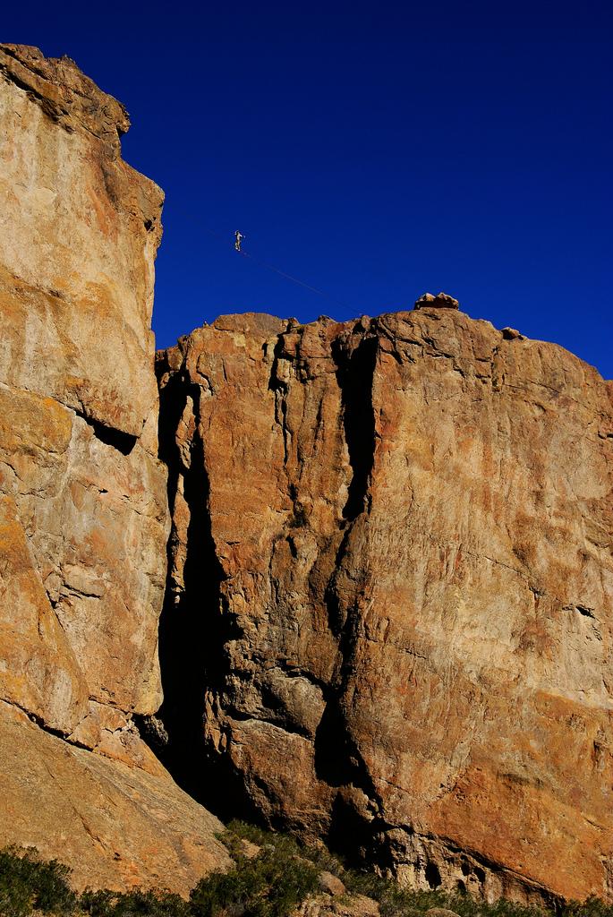 A résztvevő mászók számos módot találtak a pihenőidő hasznos eltöltésére.