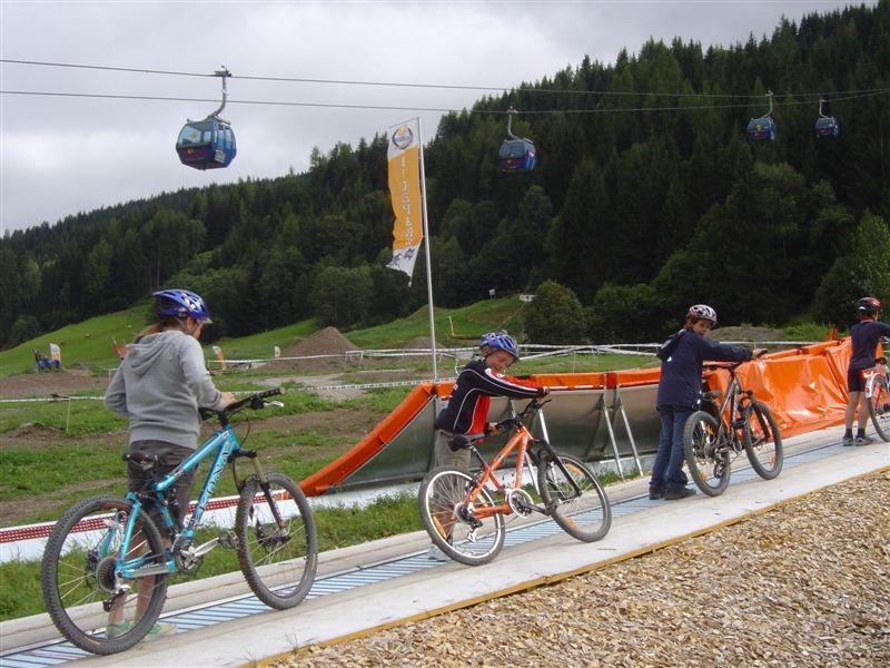 82863-Kids-Mini-Bikepark_Leogang07__10_klein.jpg