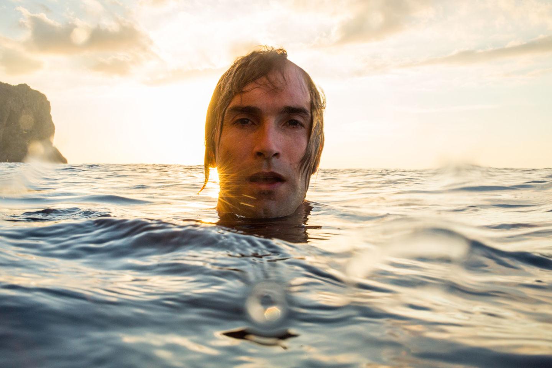 Above The Sea Forrás: Adam Clark