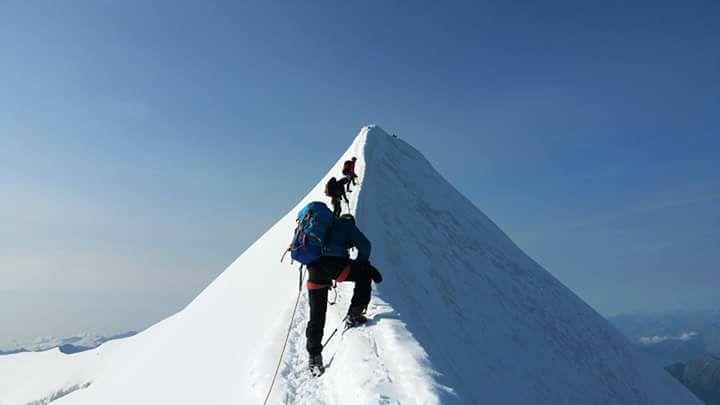 Akklimatizációs mászáson a Matterhorn előtt Forrás: Antonio Jesus Velez Ruiz Facebook