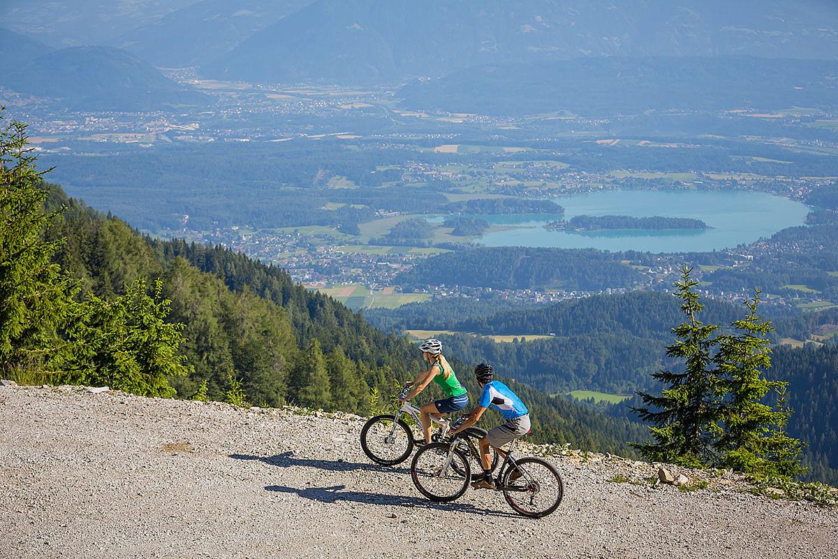 Úton a Jepca-nyereg felé az osztrák oldalon Forrás: BIKE-Region-Villach-Tourismus