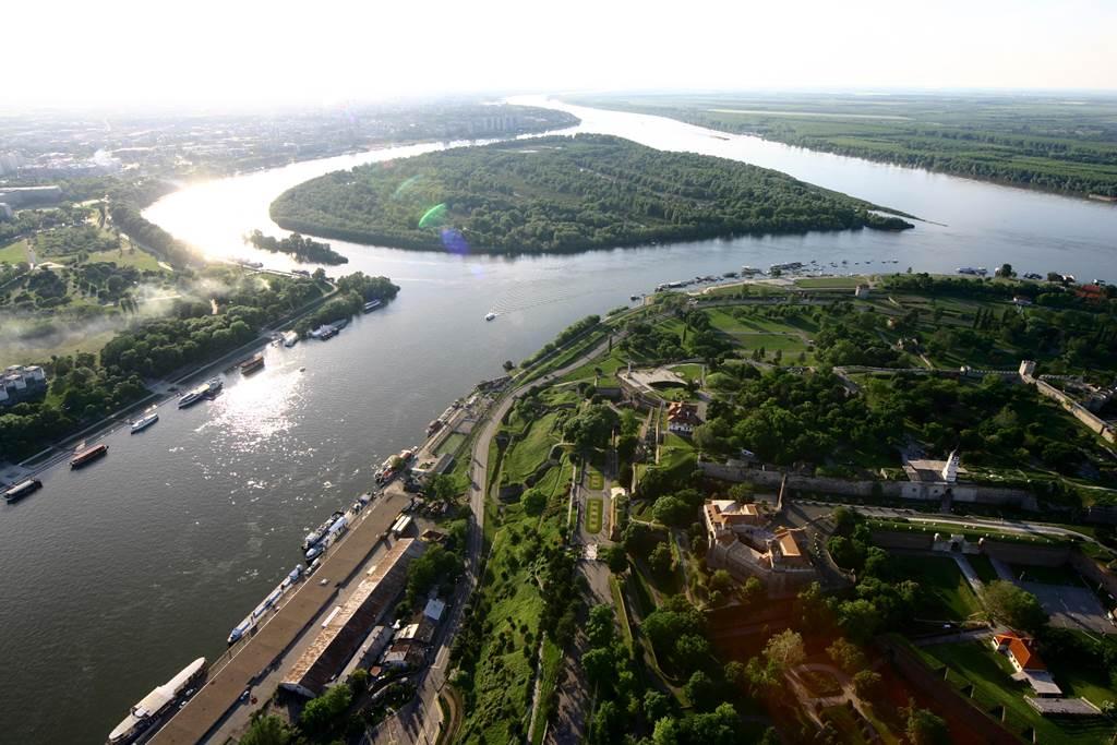 Belgrád a Sava és a Duna összefolyásánál Forrás: National Tourism Organisation of Serbia