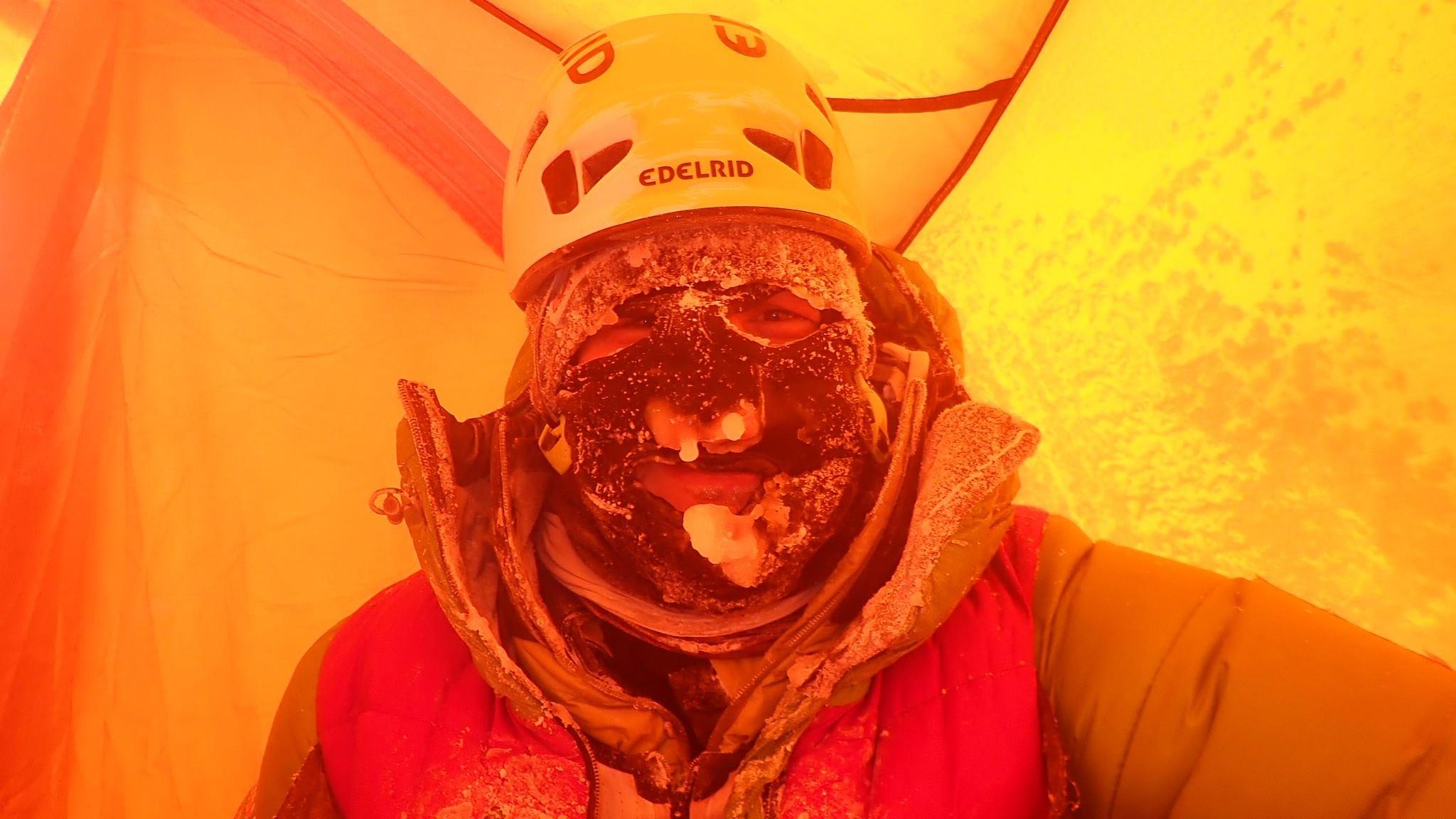Adam Bielecki a téli K2-n Forrás: Adam Bilecki Facebook