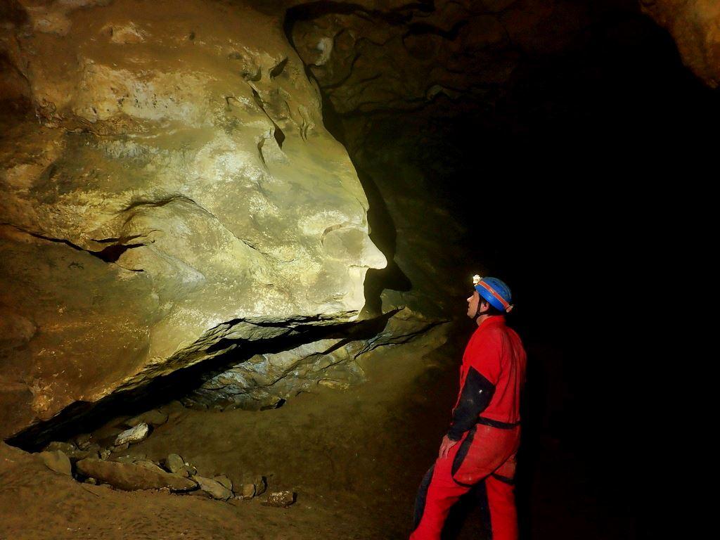 A bal oldali fazon a barlang szelleme.... Forrás: Nyáry Tamás