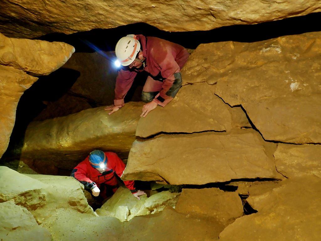 A Mátyáshegyi barlangban Forrás: Nyáry Tamás