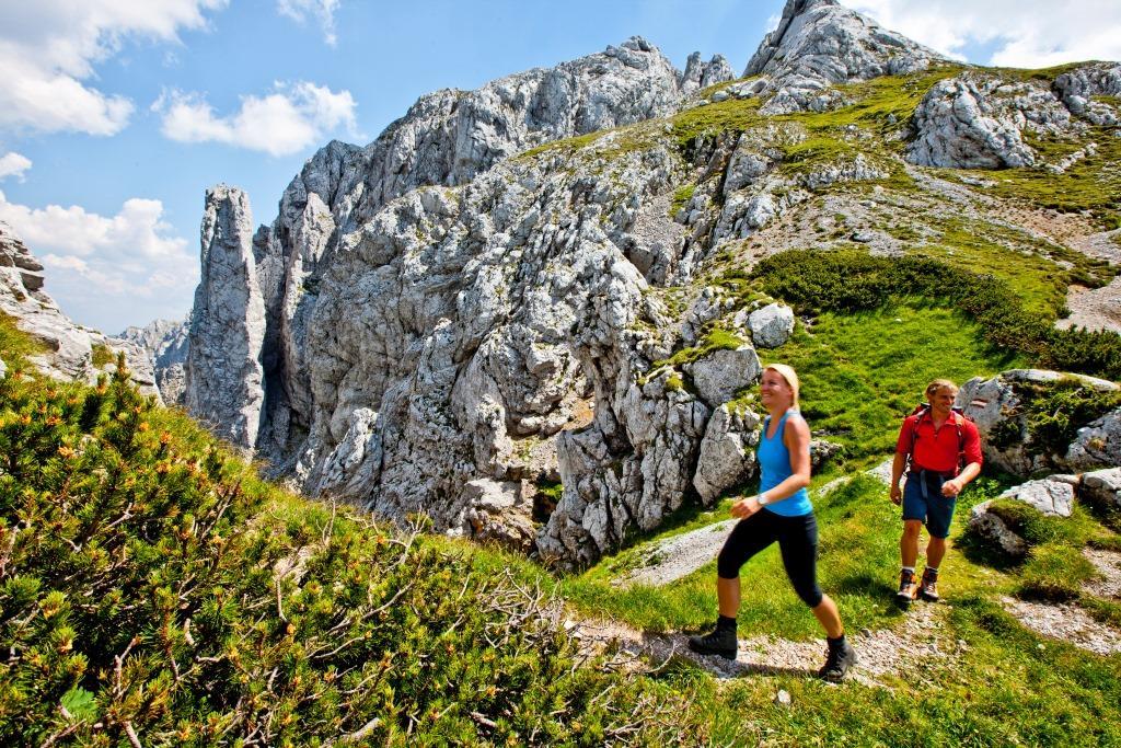 Túrázás a BergZeitReise körön Forrás: (c) Steiermark Tourismus_Ikarus_0800_web