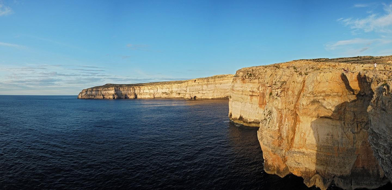 Gozo sziklaszirtek Forrás: Máltai Idegenforgalmi Hivatal