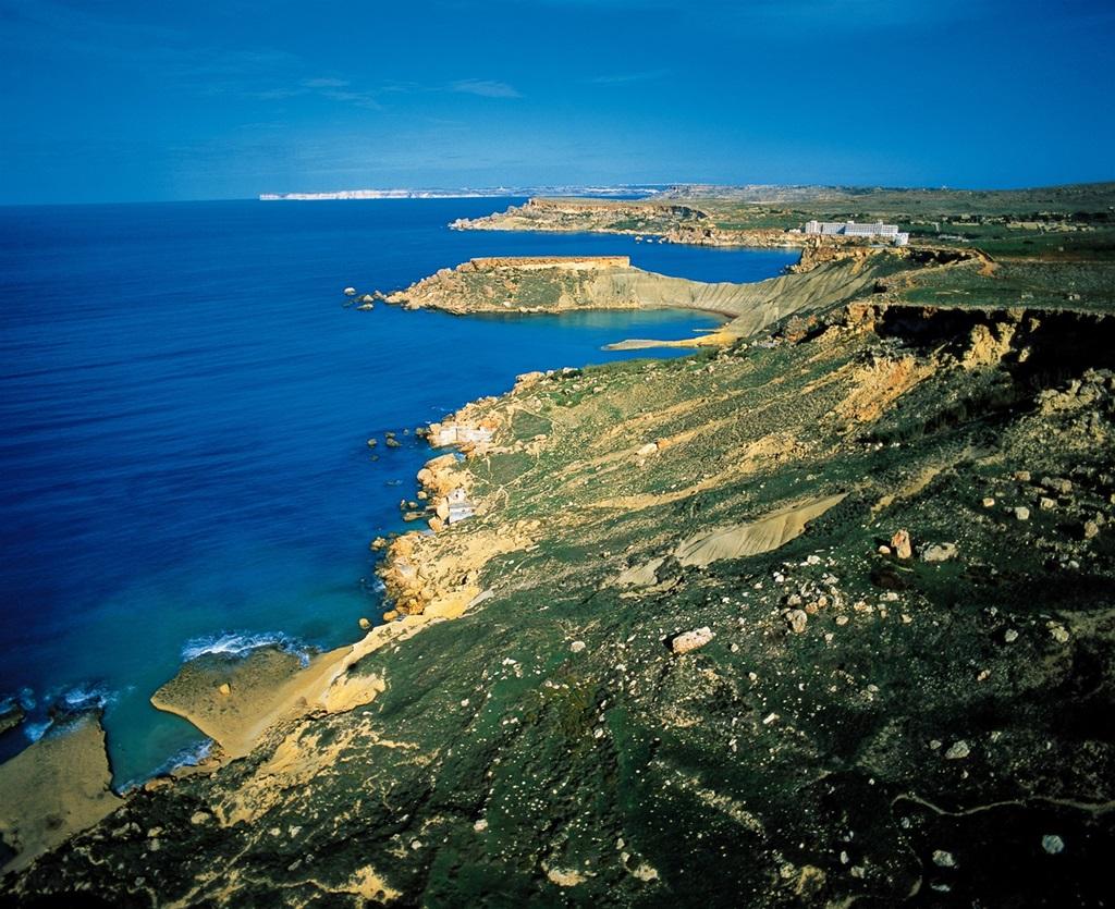 Tengerpart madártávlatból Forrás: Máltai Idegenforgalmi Hivatal