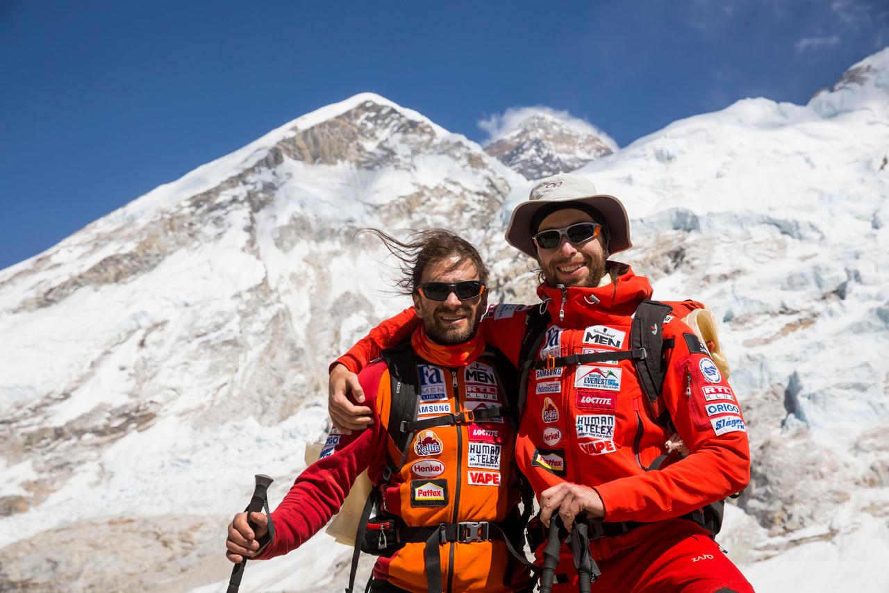 Klein és Suhajda az Everest alaptáborában, 2017 Forrás: Eseményhorizont