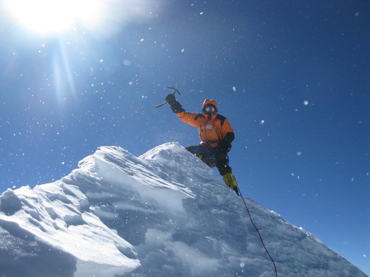 A Makalu csúcsán, első téli megmászás Forrás: Denis Urubko