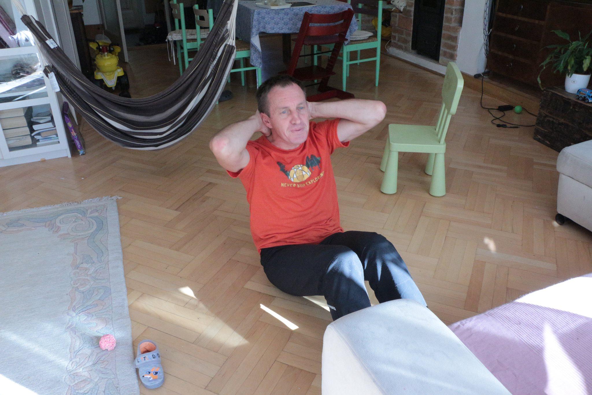 Denis Budapesten sem hanyagolta az edzést Forrás: iKaland