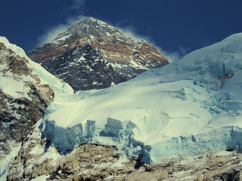 Mount Everest a nepáli alaptábor közeléből Forrás: Mozgásvilág/Pintér László