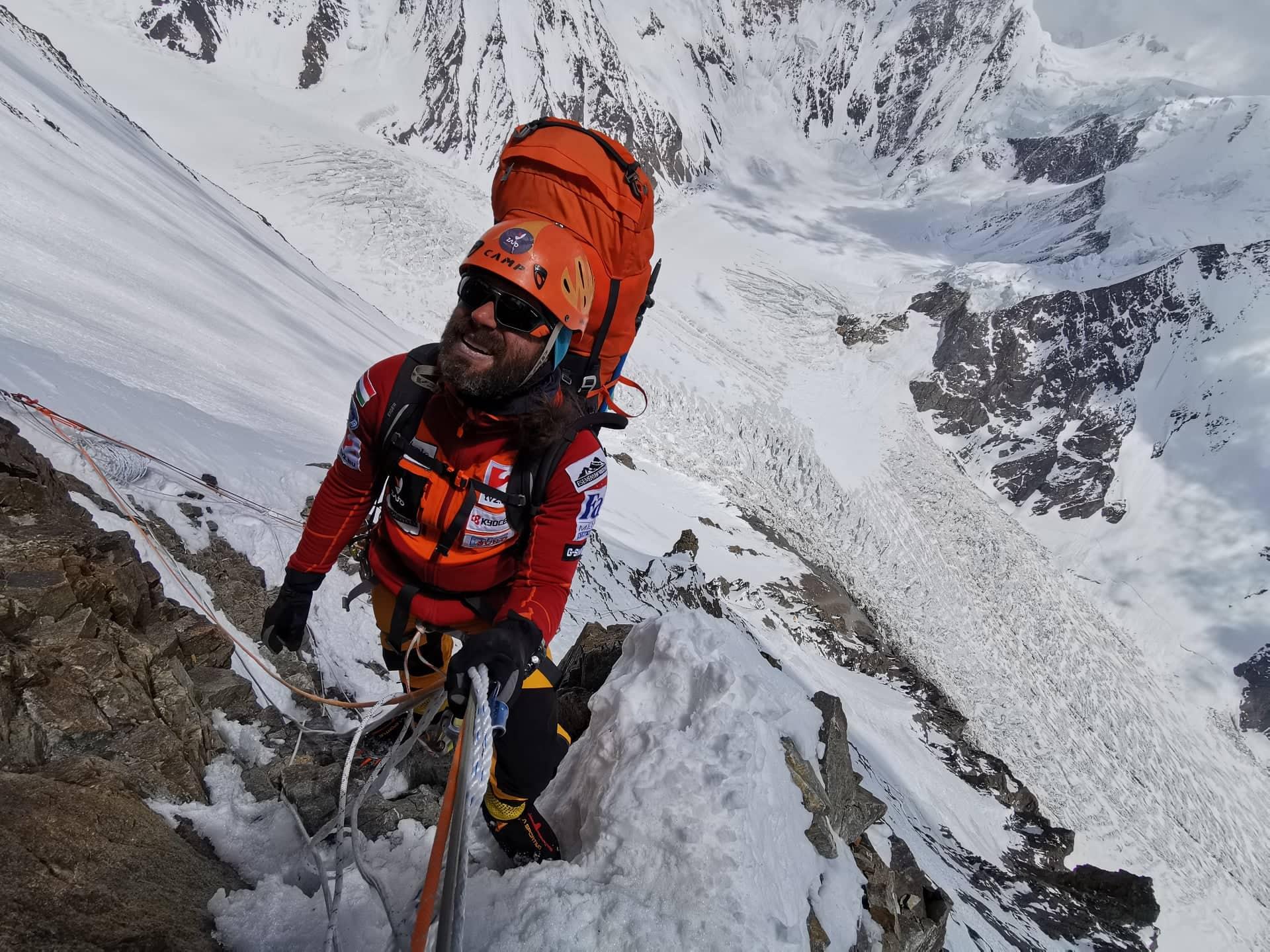 Klein Dávid mászik felfelé az Abruzzi-gerincen Forrás: Eseményhorizont