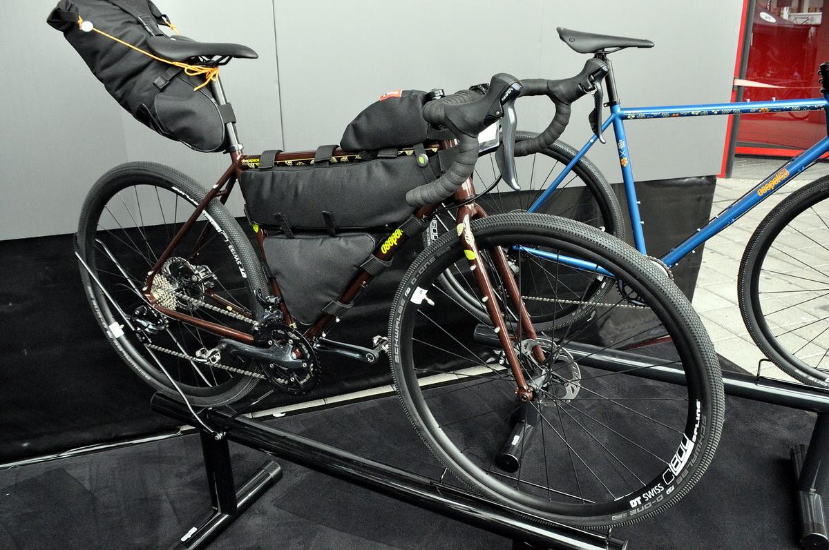 CSEPEL - magyar bringa magyar táskákkal Forrás: Paraferee - Mozgásvilág