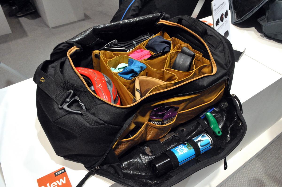 Thule Locker 55 - minden cuccunk rendszerezve Forrás: Paraferee - Mozgásvilág