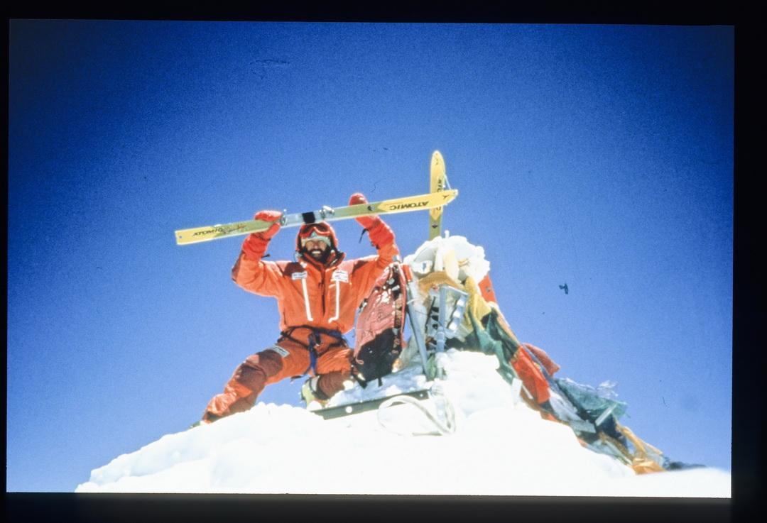 A Mount Everest csúcsán, 1996 Forrás: Hans Kammerlander archívum