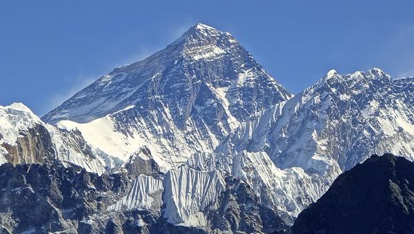 Mount Everest déli oldal Forrás: Wikipédia